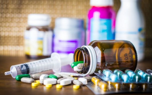 ¿Por qué no debes automedicarte con antibióticos?