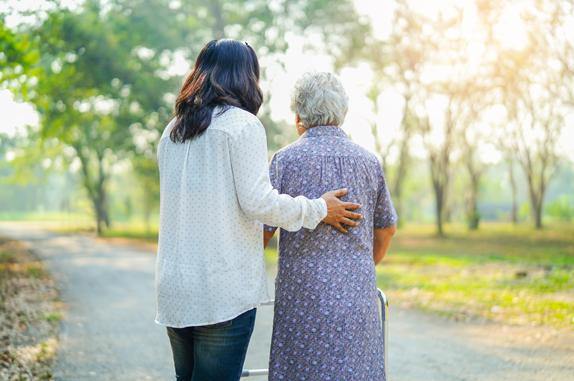 El cuidado de los mayores en verano